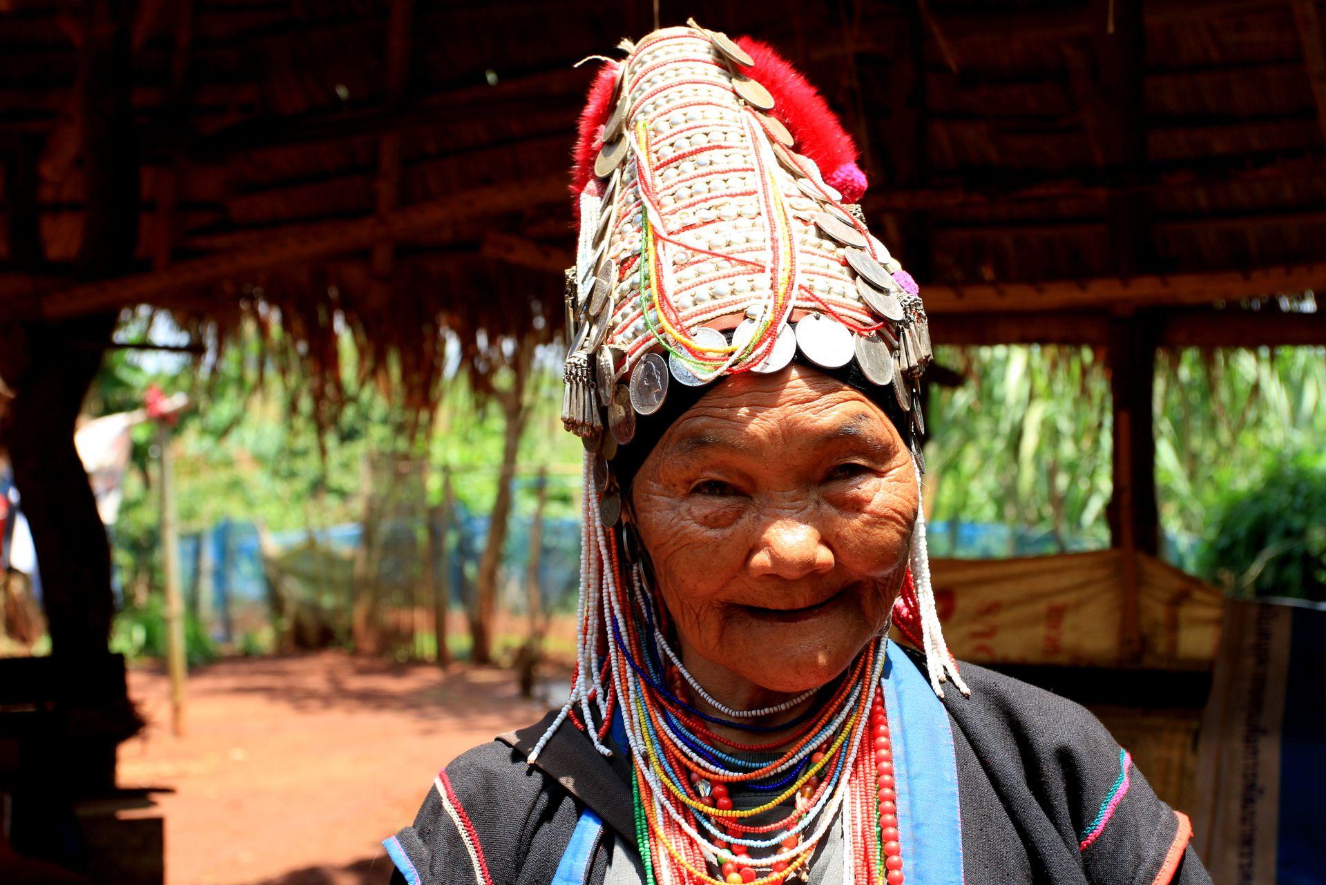 Kobieta zplemienia Akha.Tajlandia