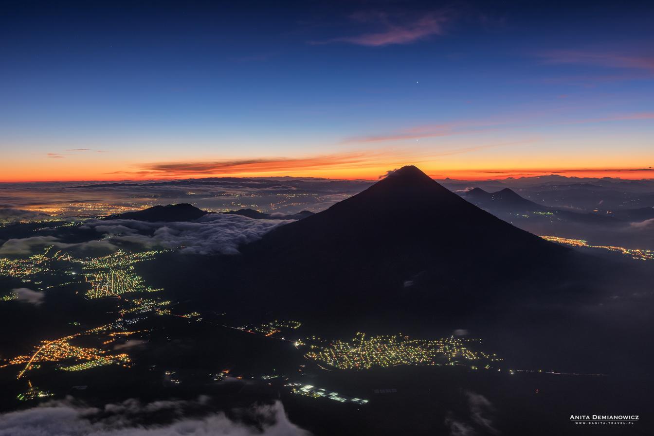 Wulkan Fuego wtrakcie trekkingu naAcatenango