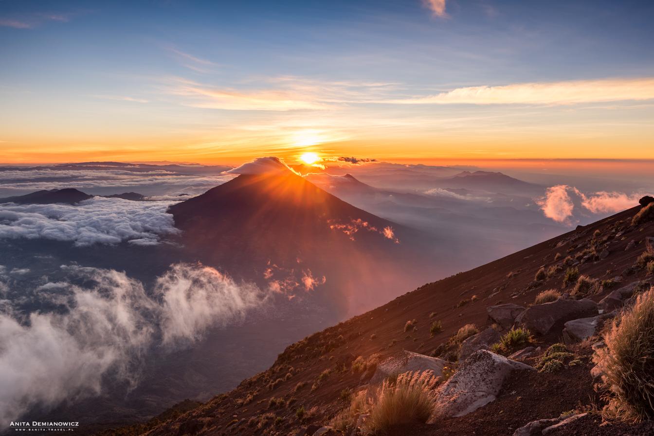 Wulkan Agua owschodzie słońca