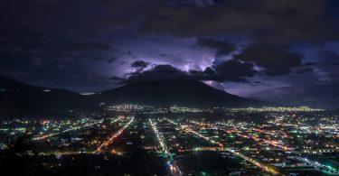 Cerro-Cruz-Antigua,-Gwatemala