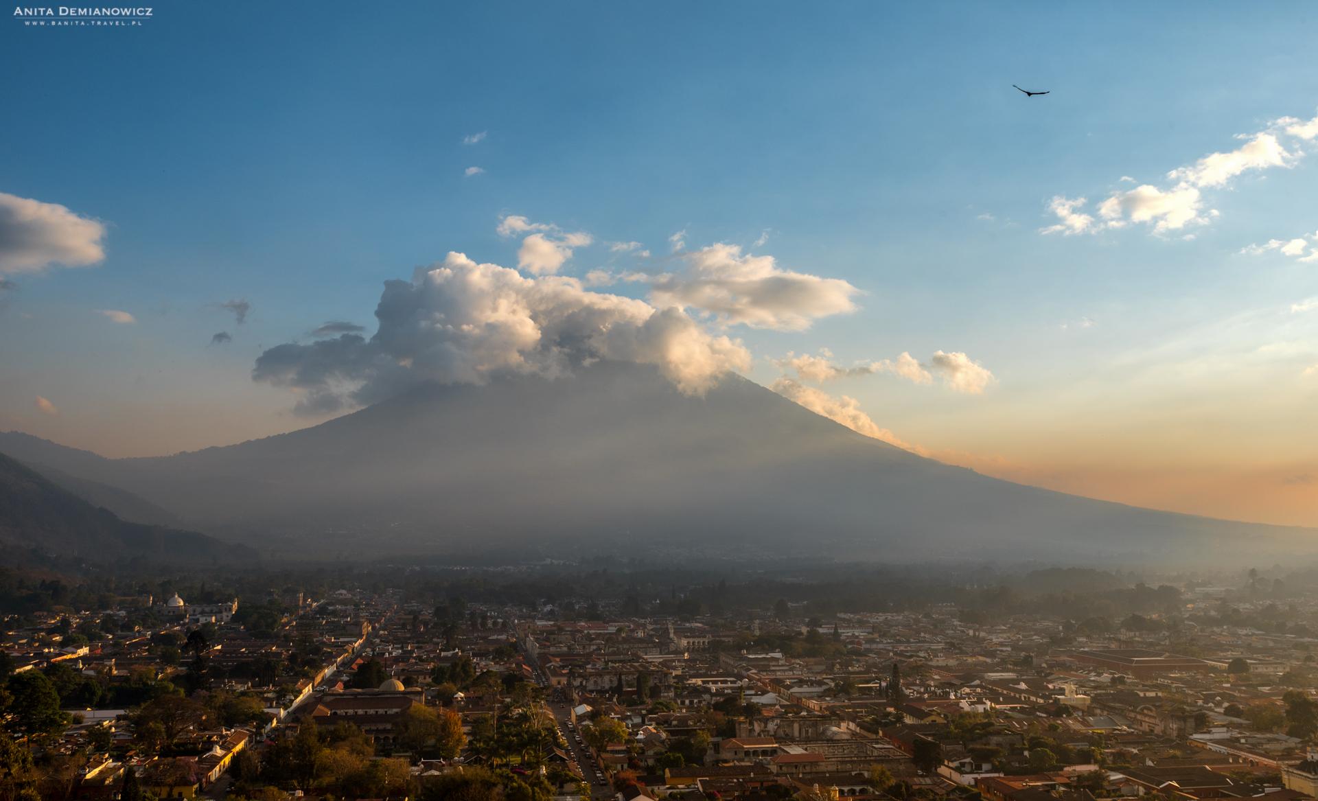 Cerro-Cruz, Antigua, Gwatemala