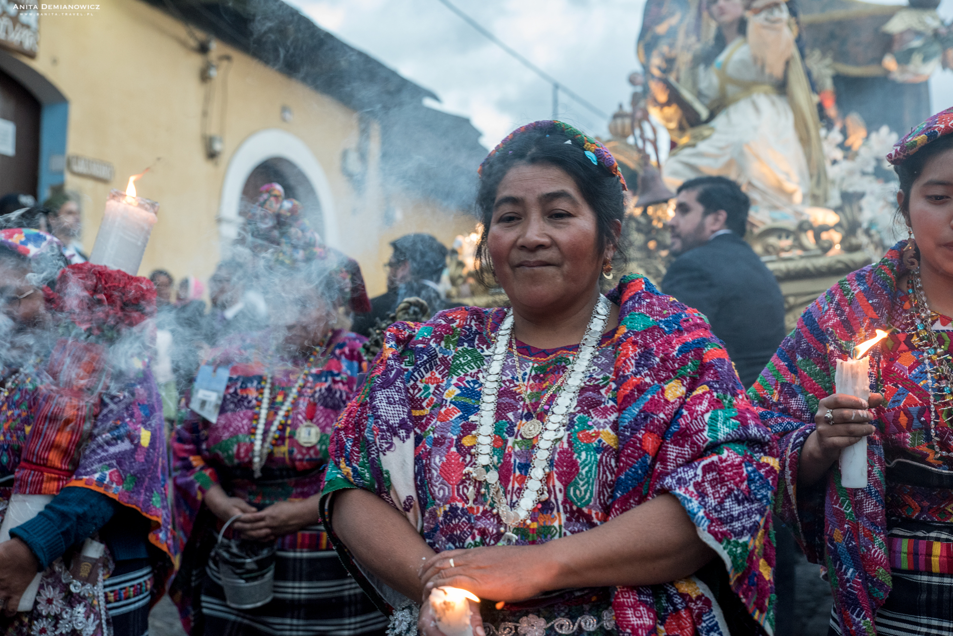Procesja-Antigua-Gwatemala